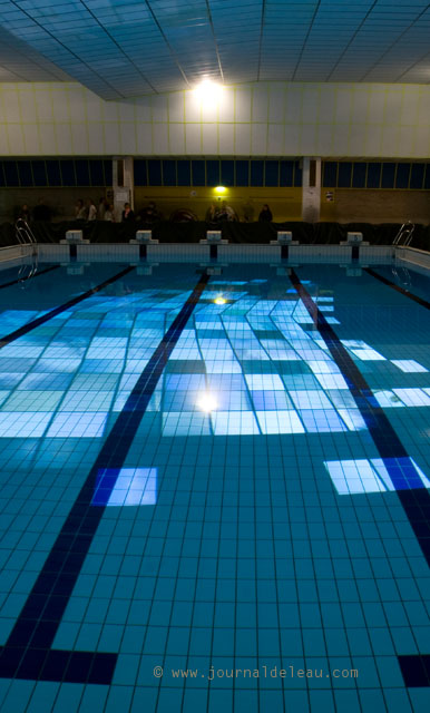 Nuit blanche la piscine armand massard for Piscine armand massard aquagym